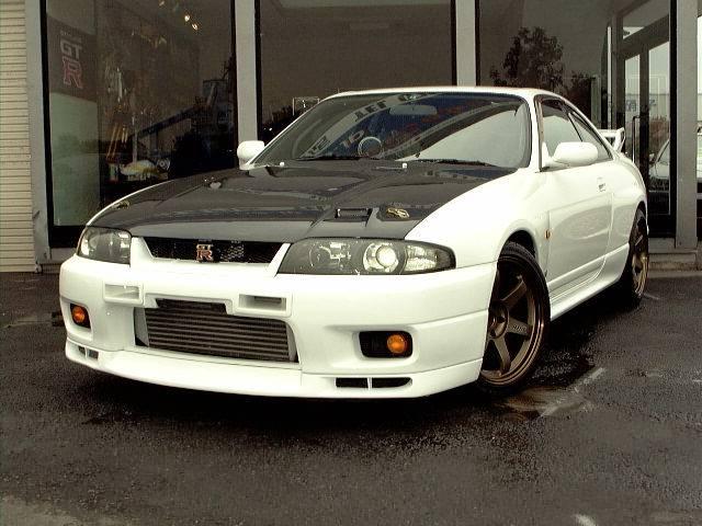 skyline gtr r33. R33 Skyline GTR